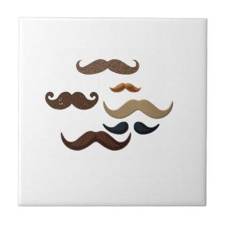 El pelo del collage del bigote añade nombre añade  azulejo cuadrado pequeño