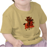 El peluche refiere una camisa galopante del bebé d