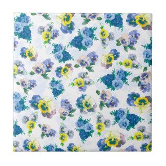 El pensamiento azul florece el estampado de flores teja  ceramica