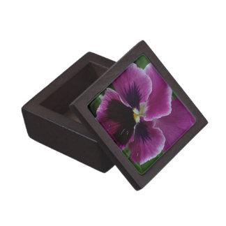 El pensamiento representa la caja de regalo superi caja de recuerdo de calidad