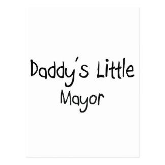El pequeño alcalde del papá tarjeta postal