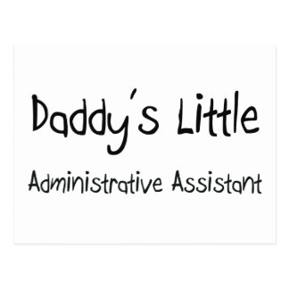 El pequeño ayudante administrativo del papá tarjeta postal