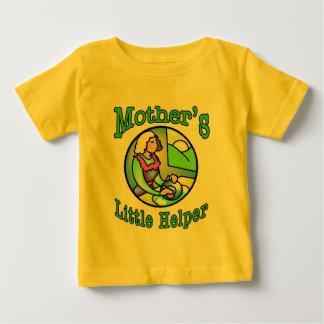 El pequeño ayudante de la madre camisas