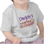 El pequeño bateador del papá camiseta