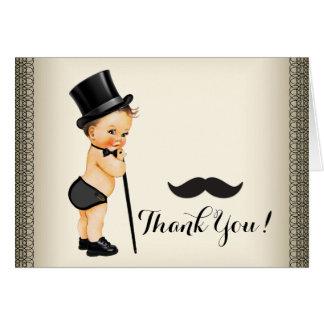 El pequeño bigote del hombre le agradece tarjeta pequeña