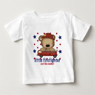 El pequeño bombero apenas tiene gusto del papá tee shirt