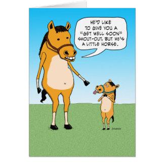 El pequeño caballo divertido consigue bien pronto tarjeta de felicitación
