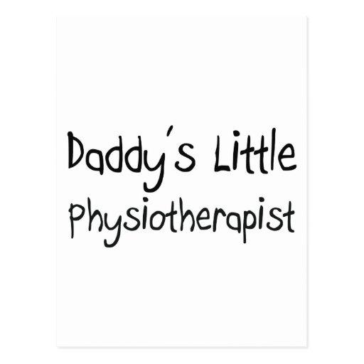 El pequeño fisioterapeuta del papá postal