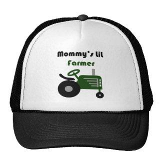 El pequeño granjero de la mamá gorros bordados