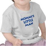 El pequeño hombre de la mamá camisetas