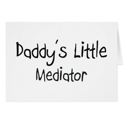 El pequeño mediador del papá tarjeta de felicitación