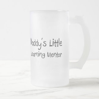 El pequeño mentor de aprendizaje del papá taza