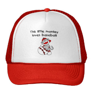 El pequeño mono ama las camisetas y los regalos gorras