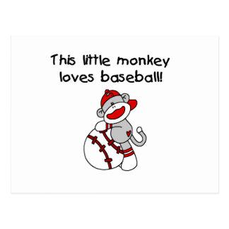 El pequeño mono ama las camisetas y los regalos tarjetas postales