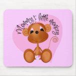 El pequeño mono de la mamá - camisetas y regalos tapete de raton