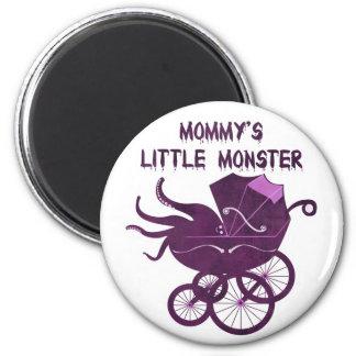 El pequeño monstruo de la mamá imán redondo 5 cm