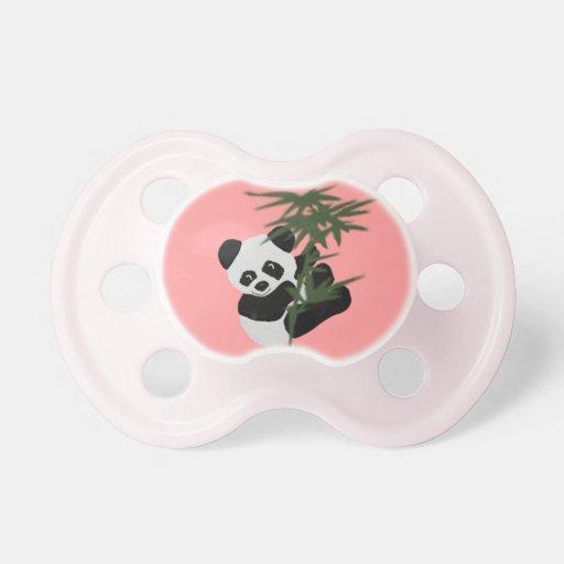 El pequeño panda chupetes de bebé