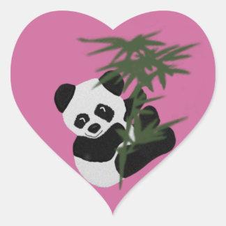El pequeño panda colcomanias de corazon