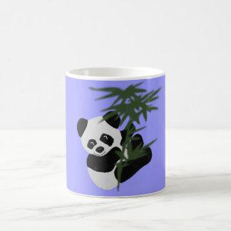 El pequeño panda taza básica blanca