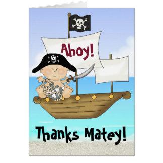 El pequeño pirata del bebé de Bucanero le agradece Tarjeton