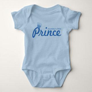El pequeño príncipe de la mamá remera
