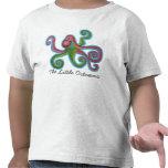 El pequeño pulpo embroma la camiseta