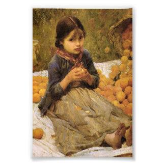El pequeño recolector anaranjado fotografía