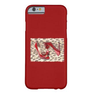 El pequeño rojo salvaje BO mira furtivamente Funda De iPhone 6 Barely There