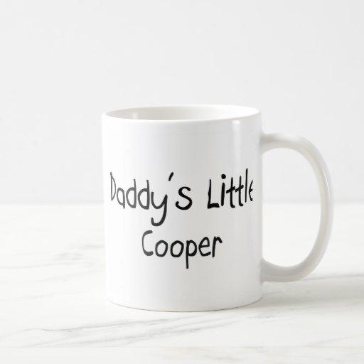 El pequeño tonelero del papá taza