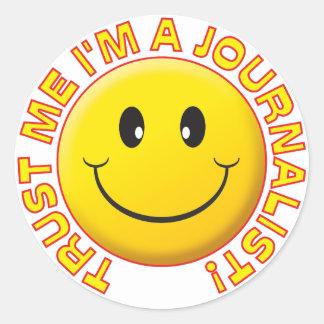 El periodista me confía en pegatina redonda