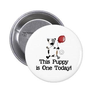 El perrito es un cumpleaños pin redondo 5 cm