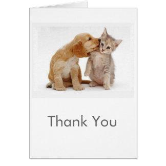 El perrito y el gatito le agradecen cardar tarjeta de felicitación