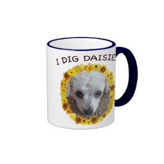 El perro de caniche de la taza de té cava margarit