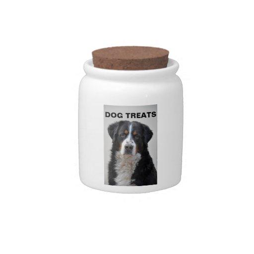 El perro de la foto del perro de montaña de Bernes Jarras Para Caramelos