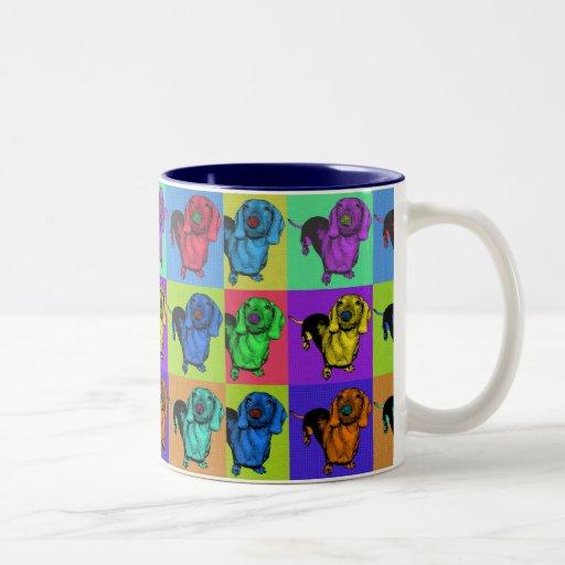El perro de patas muy cortas Doxie del arte pop ar Taza