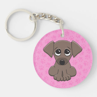 El perro de perrito marrón lindo con el petición g llavero redondo acrílico a una cara