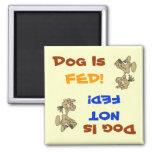El perro es FED/no imán de FED