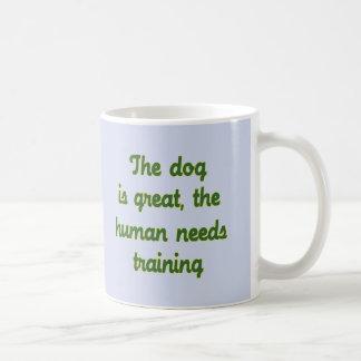 El perro es grande tazas