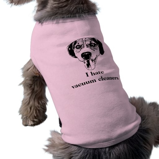 El perro lindo odia la camisa del quehacer domésti playera sin mangas para perro