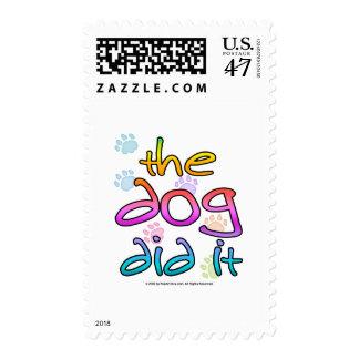 El perro lo hizo sello postal