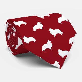 El perro pastor de Shetland siluetea rojo del Corbatas Personalizadas