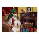 El perro pastor inglés viejo de Santa Felicitación