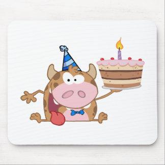 El personaje de dibujos animados feliz del becerro alfombrilla de raton
