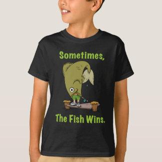El pescado gana a veces la camiseta de los niños