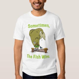 El pescado gana a veces la camiseta para hombre polera