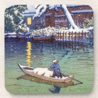 El pescador japonés fresco del barco del lago de l posavasos