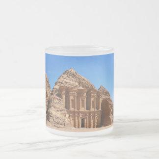 El Petra Jordania del monasterio Taza De Cristal
