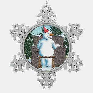 El pianista adorno de peltre en forma de copo de nieve