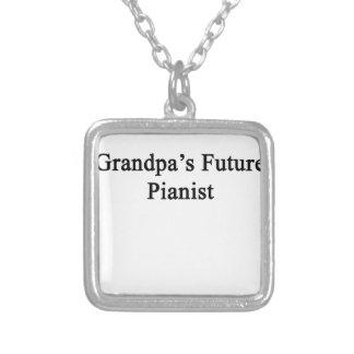El pianista futuro del abuelo colgante cuadrado