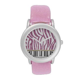 El piano cierra el estampado de zebra rosado del b relojes de mano